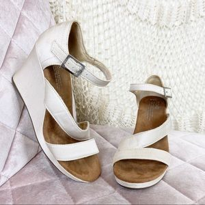 TOMS Pearl satin open toe strappy wedges 6.5